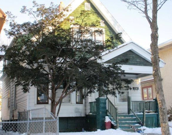 3280 25th St, Milwaukee, Wisconsin 53206, 2 Bedrooms Bedrooms, 5 Rooms Rooms,1 BathroomBathrooms,Two-Family,For Sale,25th St,1,1535855