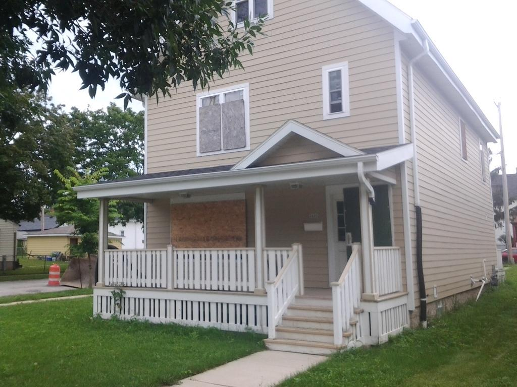2601 Cherry St, Milwaukee, Wisconsin 53205, 3 Bedrooms Bedrooms, 6 Rooms Rooms,2 BathroomsBathrooms,Single-Family,For Sale,Cherry St,1545545