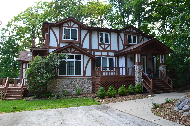 3613 Ridge DR, Delafield, Wisconsin 53029, 4 Bedrooms Bedrooms, 9 Rooms Rooms,3 BathroomsBathrooms,Single-Family,For Sale,Ridge DR,1542998