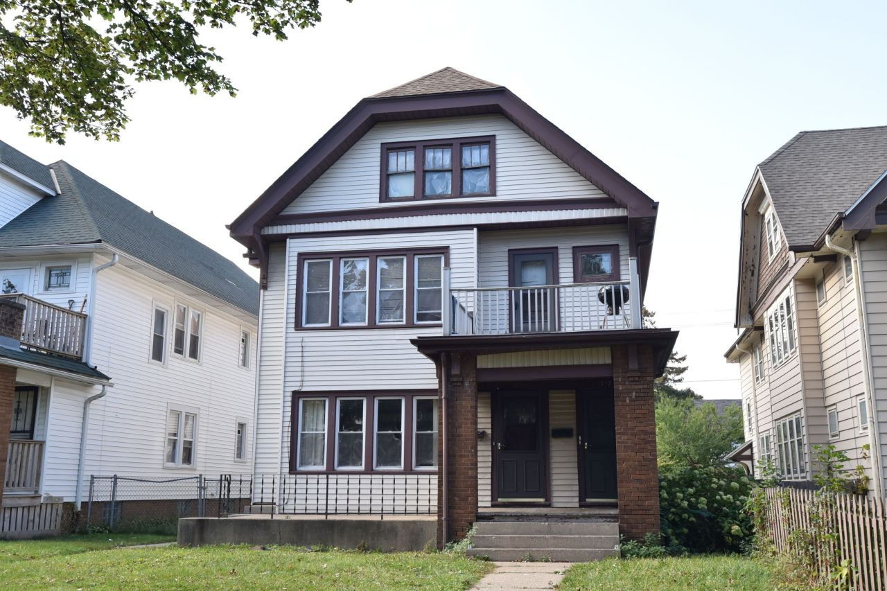 2755 45th St, Milwaukee, Wisconsin 53210, 3 Bedrooms Bedrooms, 6 Rooms Rooms,1 BathroomBathrooms,Two-Family,For Sale,45th St,1,1555836