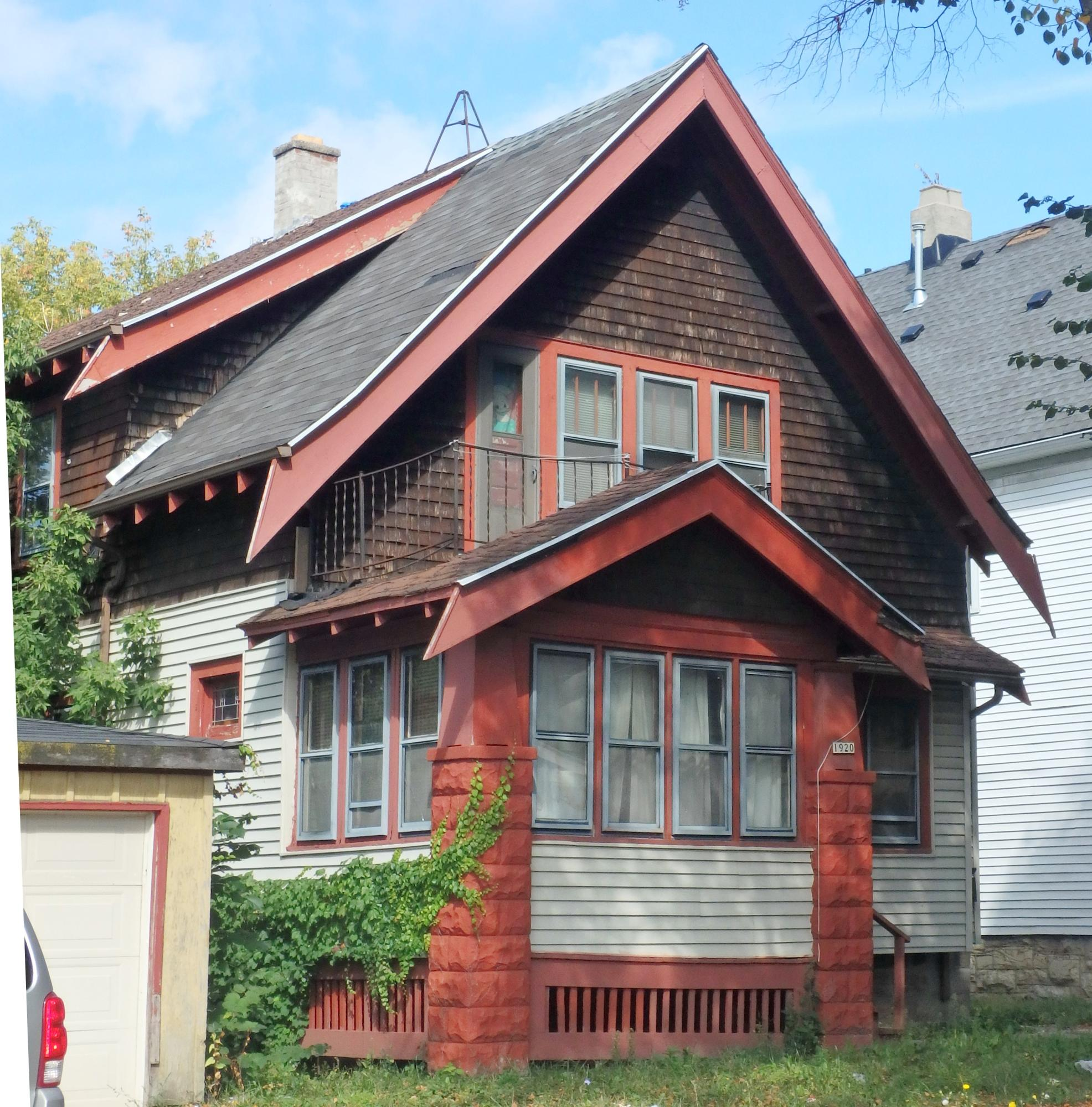 1920 Vienna Ave, Milwaukee, Wisconsin 53206, 2 Bedrooms Bedrooms, 5 Rooms Rooms,1 BathroomBathrooms,Two-Family,For Sale,Vienna Ave,1,1565457