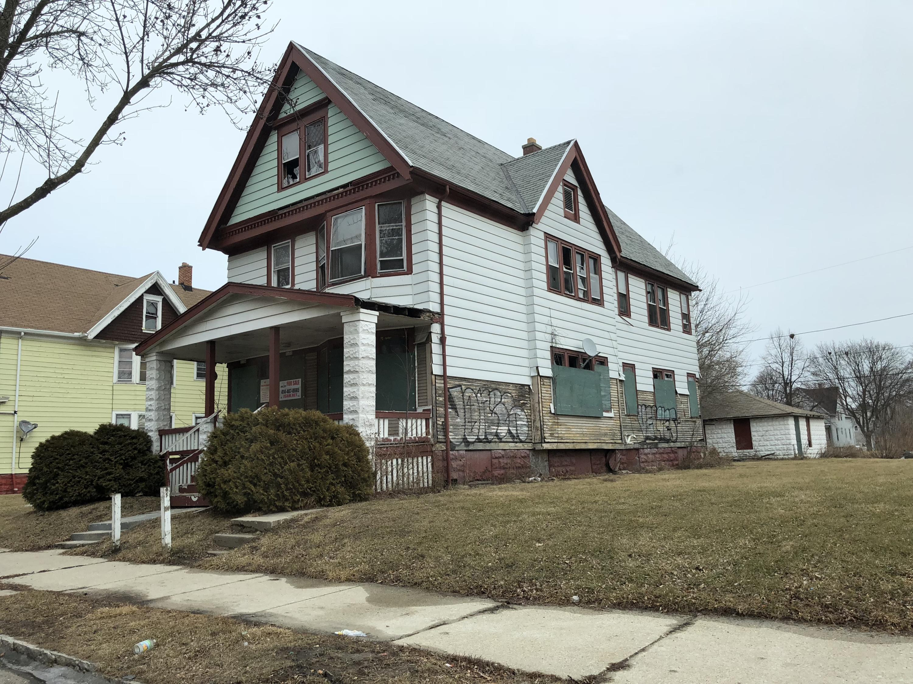 3122 10TH ST, Milwaukee, Wisconsin 53206, 2 Bedrooms Bedrooms, 5 Rooms Rooms,1 BathroomBathrooms,Two-Family,For Sale,10TH ST,1,1568036