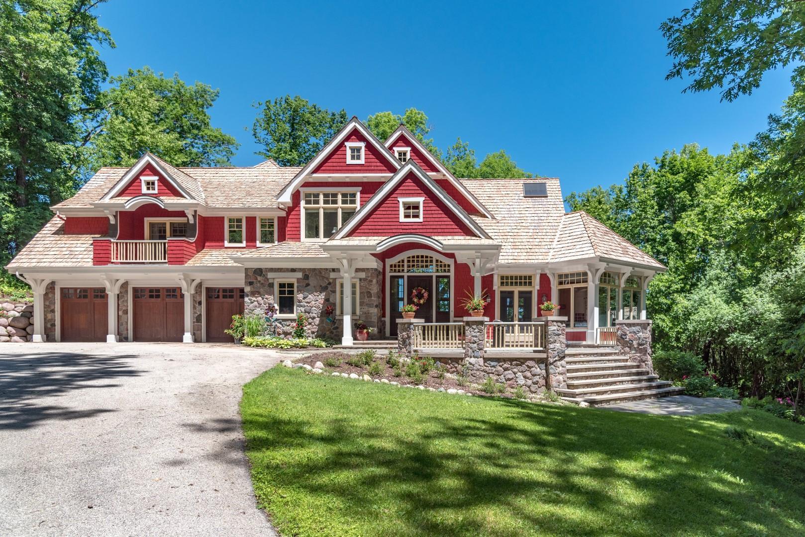 31150 Thompson Ln, Chenequa, Wisconsin 53029, 5 Bedrooms Bedrooms, 13 Rooms Rooms,3 BathroomsBathrooms,Single-Family,For Sale,Thompson Ln,1569228
