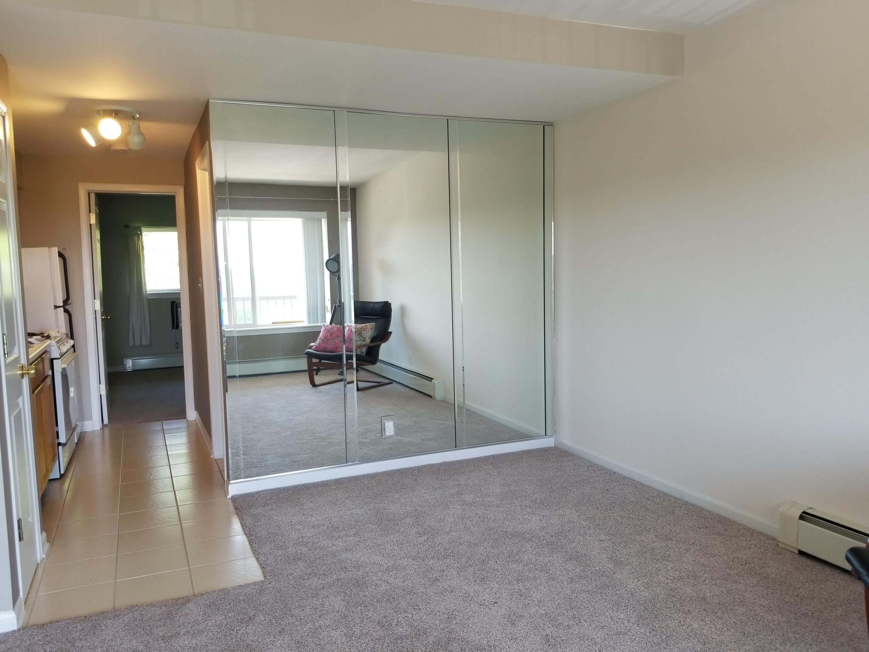 227 Dewey Ave, Fontana, Wisconsin 53125, 1 Bedroom Bedrooms, 2 Rooms Rooms,1 BathroomBathrooms,Condominiums,For Sale,Dewey Ave,3,1570888