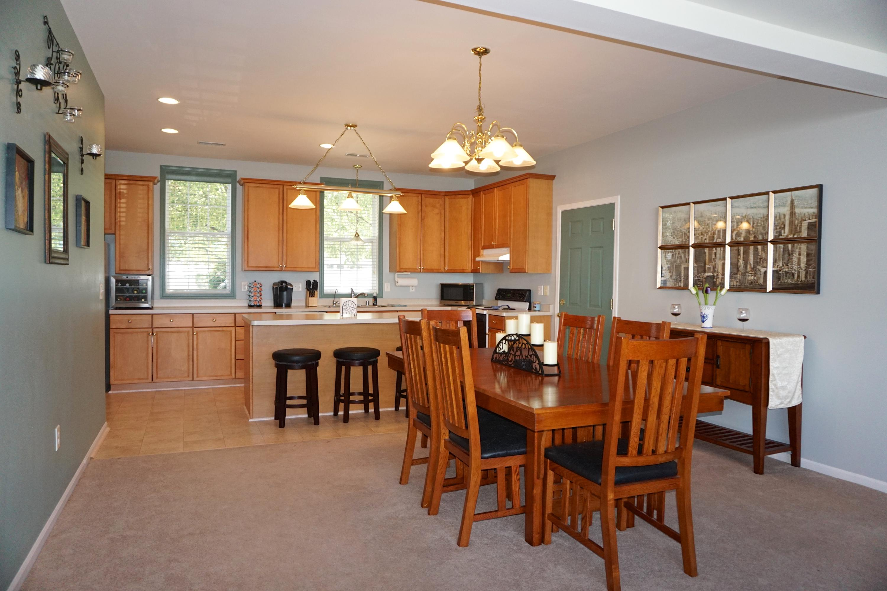 2100 Woodbury Cir, Waukesha, Wisconsin 53189, 2 Bedrooms Bedrooms, ,2 BathroomsBathrooms,Condominiums,For Sale,Woodbury Cir,1,1593273