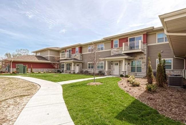 W263N2020 Fieldhack Dr, Pewaukee, Wisconsin 53072, ,Multi-Family Investment,For Sale,Fieldhack Dr,1596834