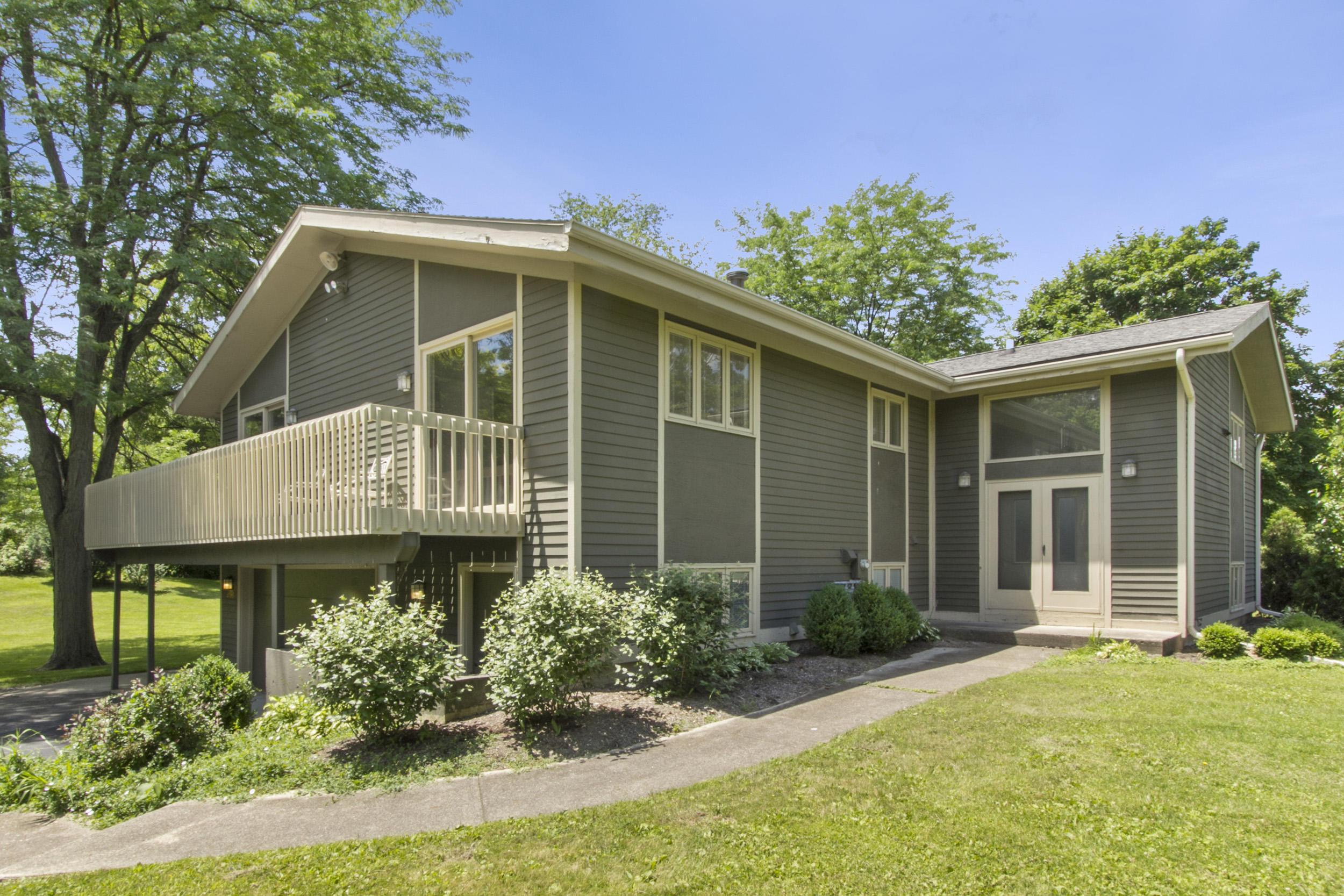 N2453 Ara Glen Dr, Linn, Wisconsin 53147, 5 Bedrooms Bedrooms, 9 Rooms Rooms,3 BathroomsBathrooms,Single-Family,For Sale,Ara Glen Dr,1571435