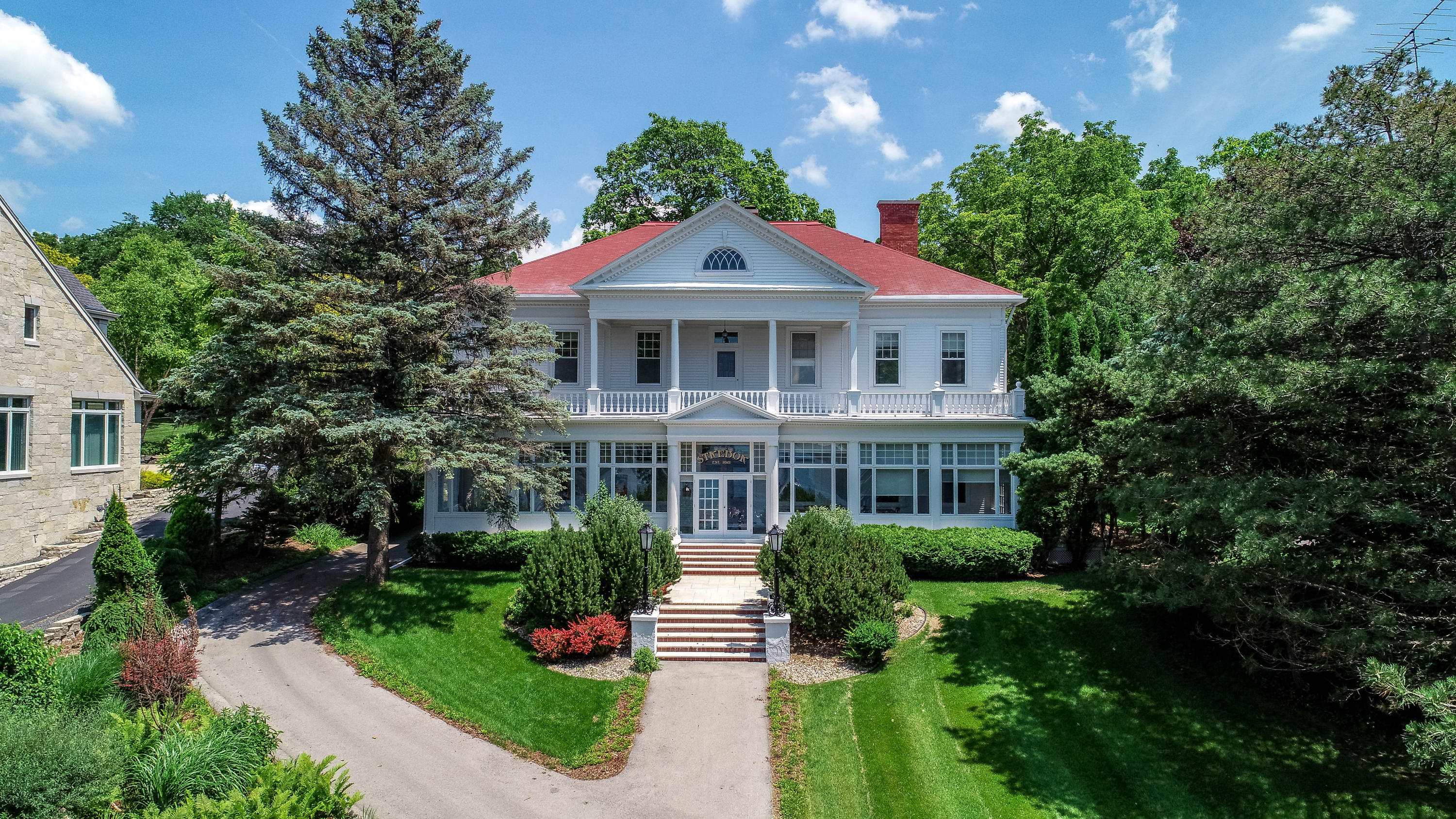 W278N2725 Rocky Point Rd, Pewaukee, Wisconsin 53072, 6 Bedrooms Bedrooms, ,2 BathroomsBathrooms,Single-Family,For Sale,Rocky Point Rd,1566117