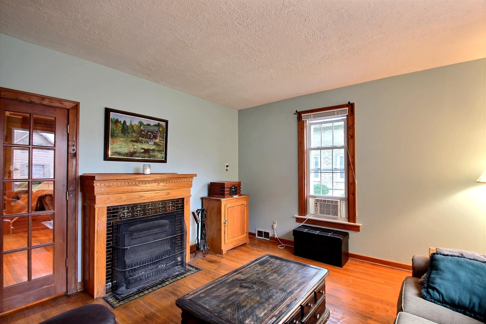 328 Oakton Ave, Pewaukee, Wisconsin 53072, 4 Bedrooms Bedrooms, ,1 BathroomBathrooms,Single-Family,For Sale,Oakton Ave,1601470