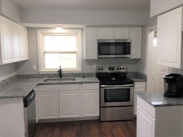 1126 Birch Dr, Waukesha, Wisconsin 53188, 3 Bedrooms Bedrooms, 5 Rooms Rooms,2 BathroomsBathrooms,Single-Family,For Sale,Birch Dr,1601843