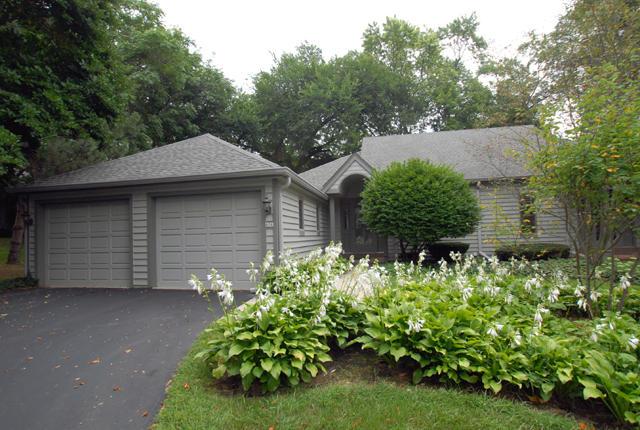 406 Pine Ter, Oconomowoc, Wisconsin 53066, 2 Bedrooms Bedrooms, 5 Rooms Rooms,2 BathroomsBathrooms,Condominiums,For Sale,Pine Ter,1,1602521