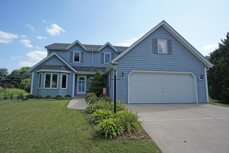 1293 Swallow Rd, Waukesha, Wisconsin 53189, 3 Bedrooms Bedrooms, 9 Rooms Rooms,2 BathroomsBathrooms,Single-Family,For Sale,Swallow Rd,1602493