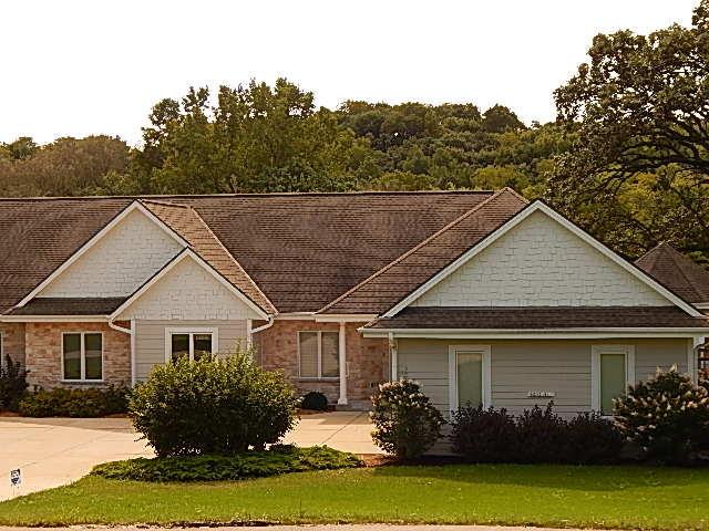 N3W31411 Lara Ln, Delafield, Wisconsin 53018, 4 Bedrooms Bedrooms, 11 Rooms Rooms,3 BathroomsBathrooms,Condominiums,For Sale,Lara Ln,1,1603956