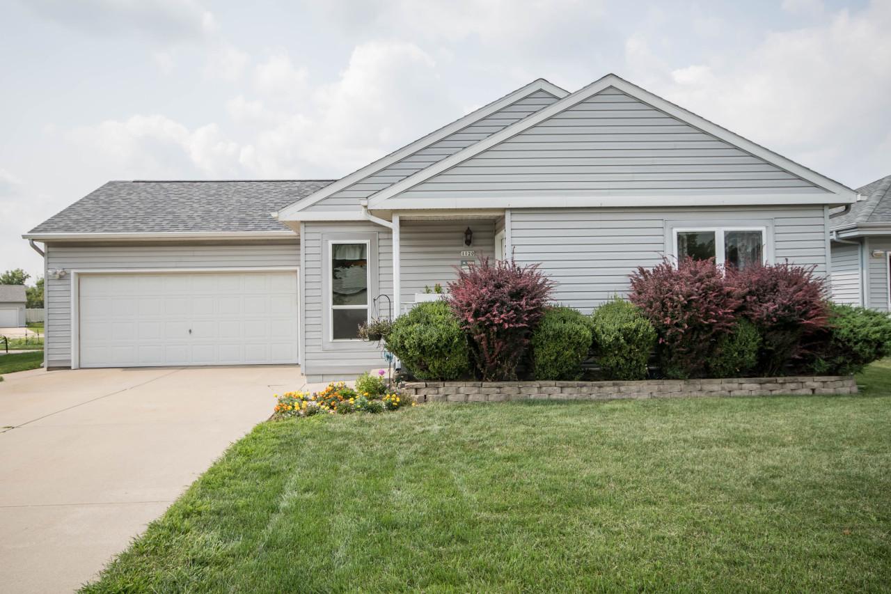 1120 Phoenix Dr, Waukesha, Wisconsin 53186, 3 Bedrooms Bedrooms, 6 Rooms Rooms,2 BathroomsBathrooms,Single-Family,For Sale,Phoenix Dr,1603273