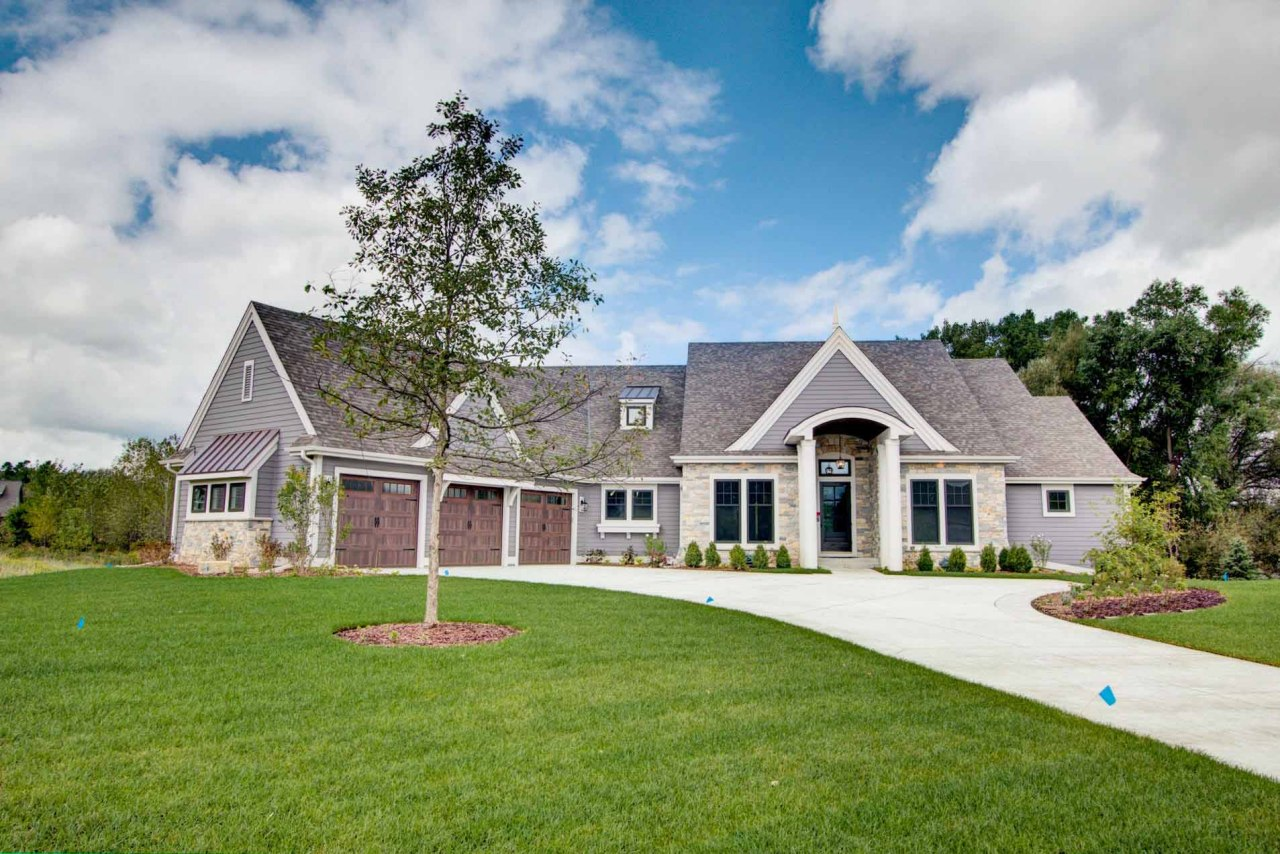 W248N2175 Kettle Cove CT, Pewaukee, Wisconsin 53072, 4 Bedrooms Bedrooms, 17 Rooms Rooms,3 BathroomsBathrooms,Single-Family,For Sale,Kettle Cove CT,1567319