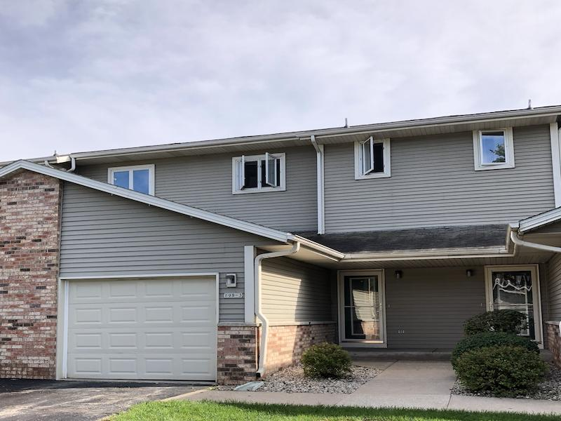 198 Country Ct, Delafield, Wisconsin 53018, 2 Bedrooms Bedrooms, 5 Rooms Rooms,2 BathroomsBathrooms,Condominiums,For Sale,Country Ct,1,1604726