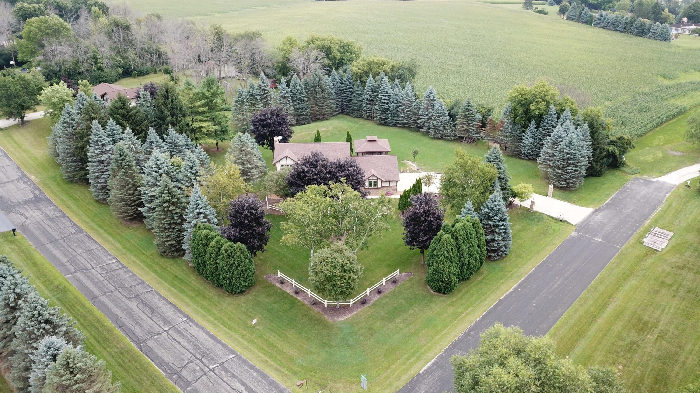S44W27532 Elk Valley Rd, Waukesha, Wisconsin 53189, 4 Bedrooms Bedrooms, 9 Rooms Rooms,2 BathroomsBathrooms,Single-Family,For Sale,Elk Valley Rd,1604784