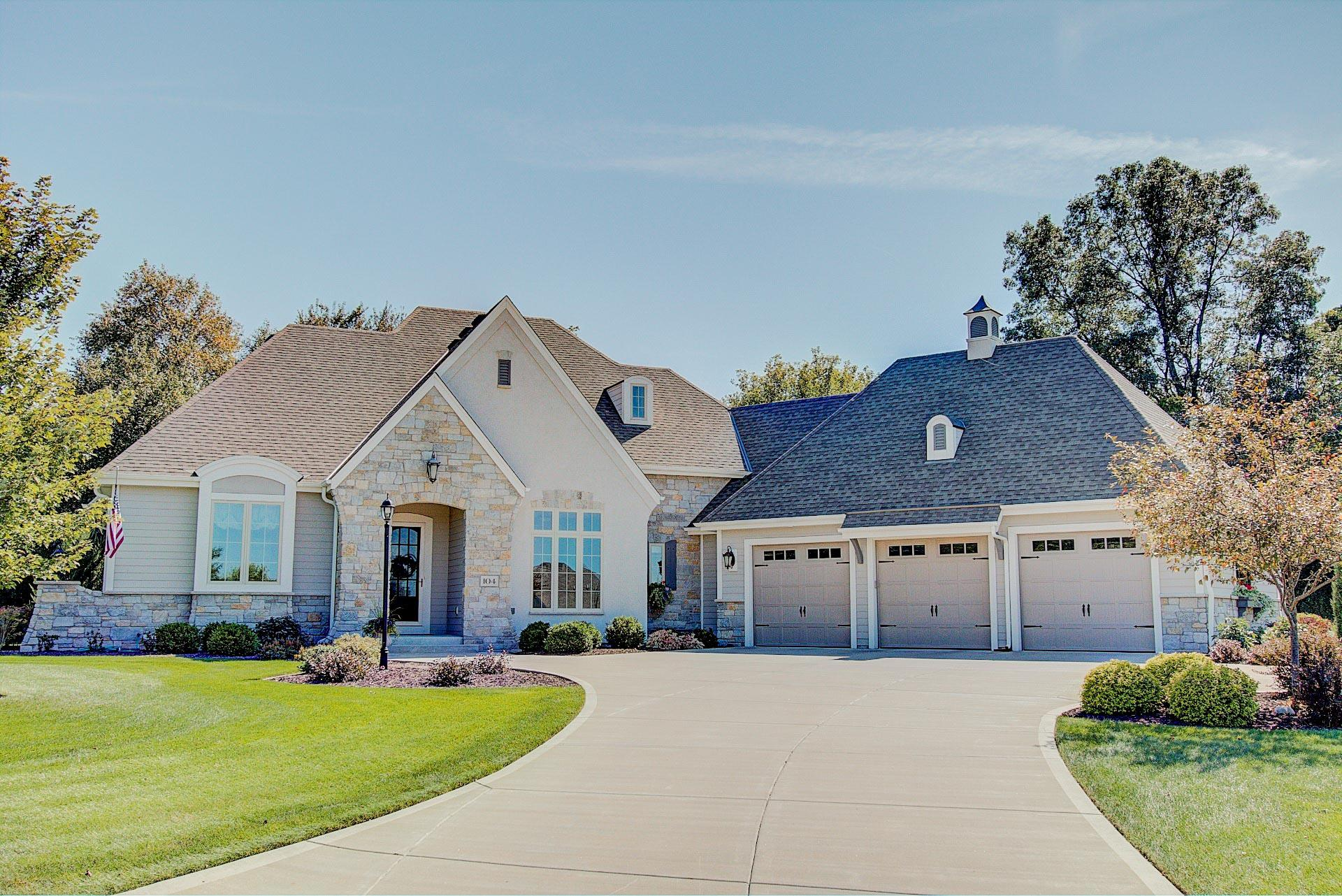 104 Kestrel Way, Hartland, Wisconsin 53029, 4 Bedrooms Bedrooms, 12 Rooms Rooms,3 BathroomsBathrooms,Single-Family,For Sale,Kestrel Way,1606417