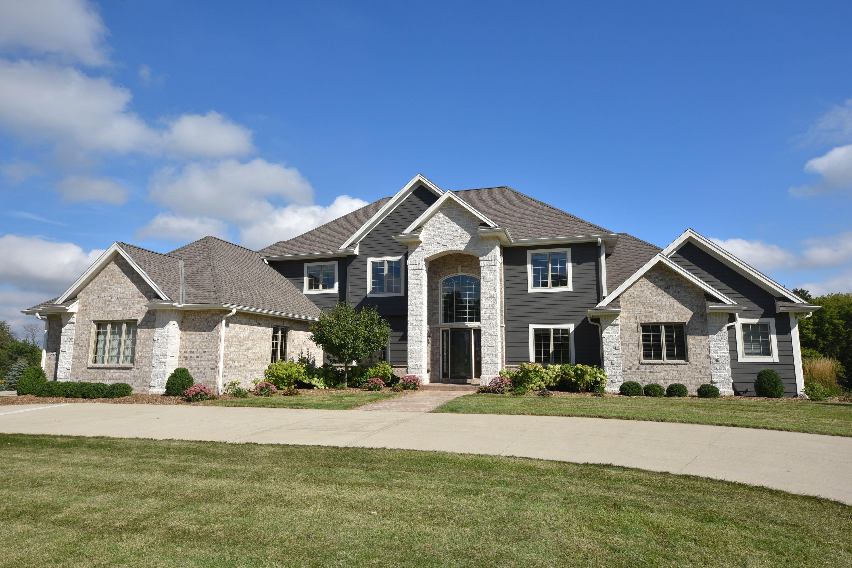 W275N4036 Ishnala Trl, Pewaukee, Wisconsin 53072, 6 Bedrooms Bedrooms, 12 Rooms Rooms,4 BathroomsBathrooms,Single-Family,For Sale,Ishnala Trl,1607479