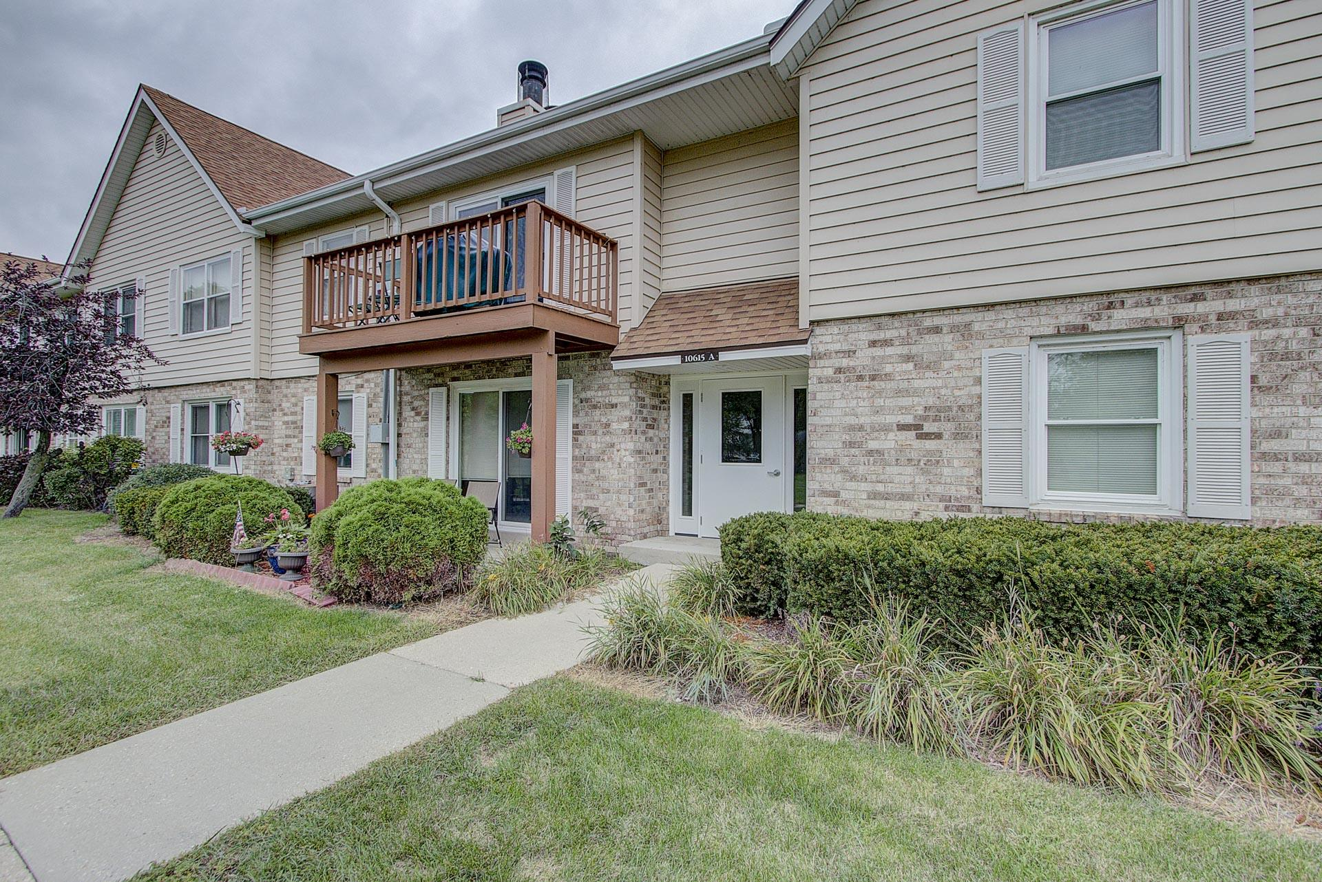 10615 N Ivy Ct, #47, Mequon, WI 53092
