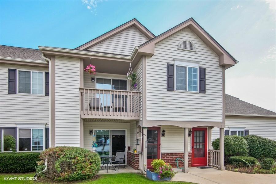 516 Pewaukee Rd, Pewaukee, Wisconsin 53072, 1 Bedroom Bedrooms, ,1 BathroomBathrooms,Condominiums,For Sale,Pewaukee Rd,1,1608015