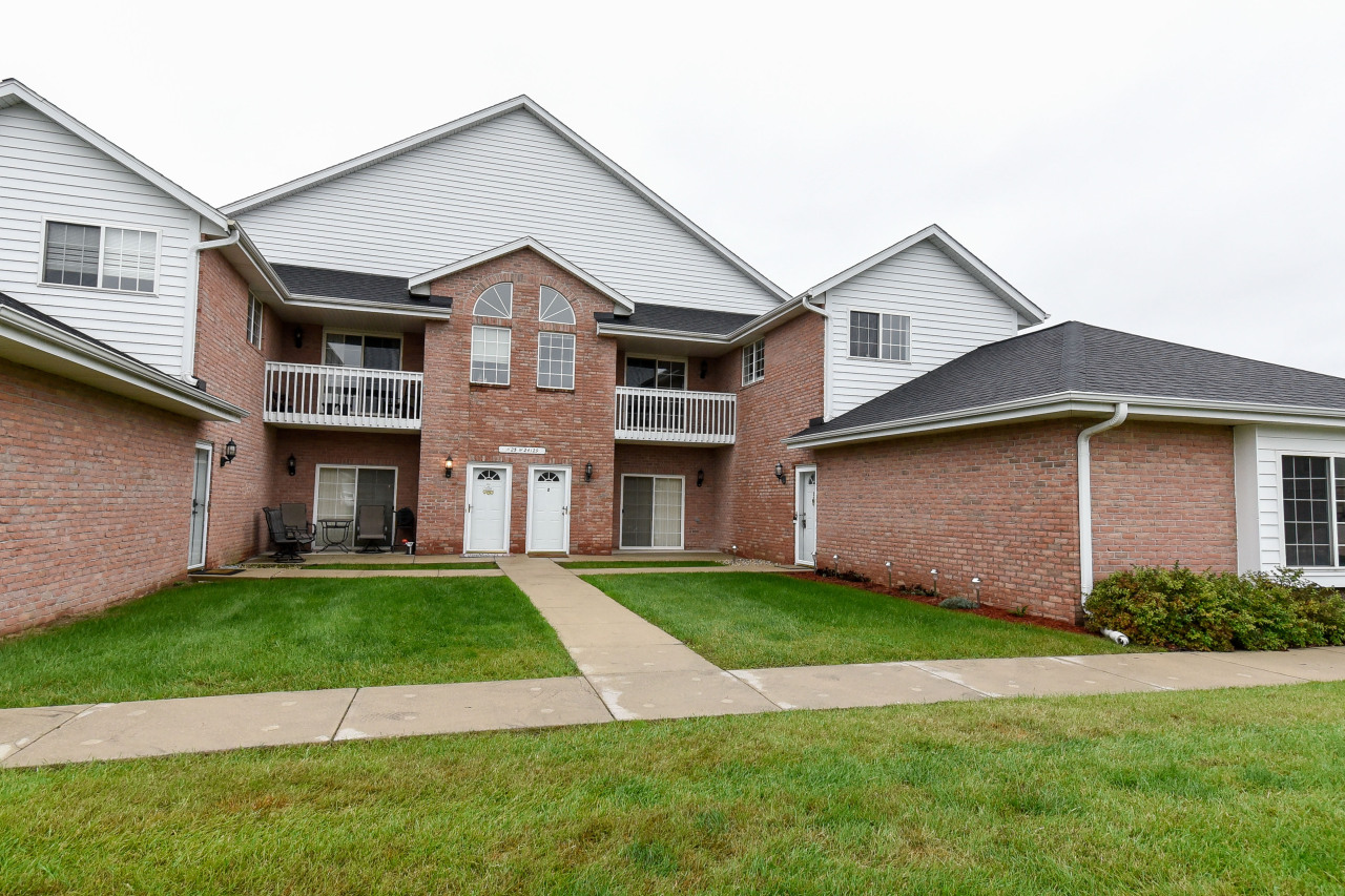 N25W24129 River Park Dr, Pewaukee, Wisconsin 53072, 3 Bedrooms Bedrooms, ,2 BathroomsBathrooms,Condominiums,For Sale,River Park Dr,2,1608430