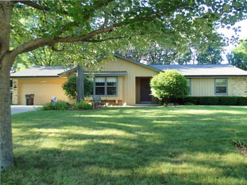 N26W22416 Ridgewood Ln, Pewaukee, Wisconsin 53186, 3 Bedrooms Bedrooms, 5 Rooms Rooms,2 BathroomsBathrooms,Single-Family,For Sale,Ridgewood Ln,1608571