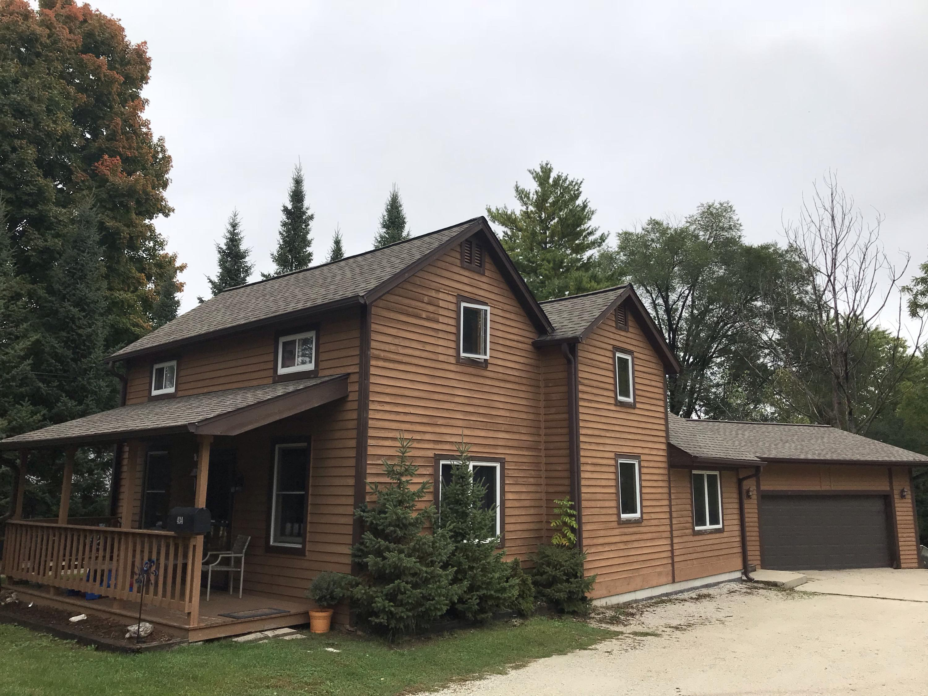 434 High St, Pewaukee, Wisconsin 53072, 3 Bedrooms Bedrooms, ,2 BathroomsBathrooms,Single-Family,For Sale,High St,1608819
