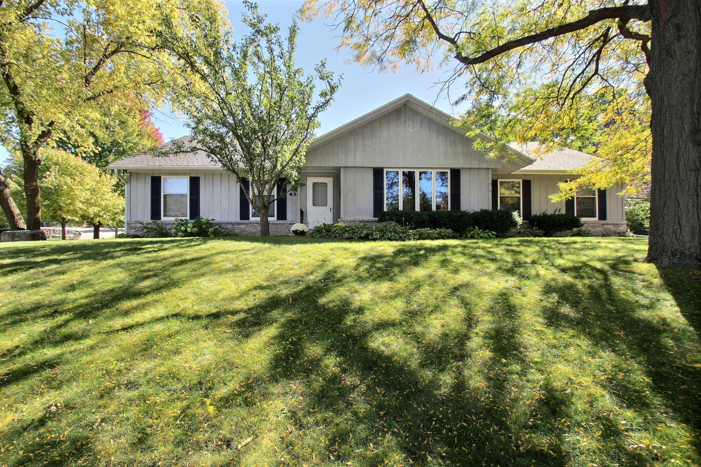 438 Cheshire Ln, Pewaukee, Wisconsin 53072, 3 Bedrooms Bedrooms, 8 Rooms Rooms,2 BathroomsBathrooms,Single-Family,For Sale,Cheshire Ln,1609370