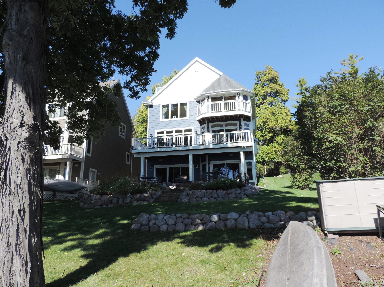 N37W26745 Kopmeier Dr, Pewaukee, Wisconsin 53072, 4 Bedrooms Bedrooms, 10 Rooms Rooms,3 BathroomsBathrooms,Single-Family,For Sale,Kopmeier Dr,1609187