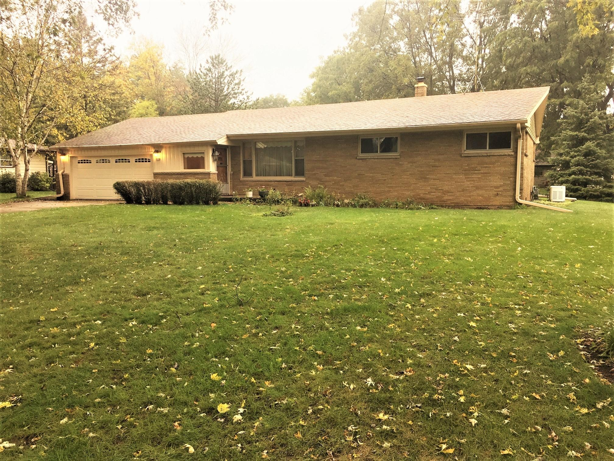 315 165th St, Brookfield, Wisconsin 53005, 3 Bedrooms Bedrooms, ,1 BathroomBathrooms,Single-Family,For Sale,165th St,1609434