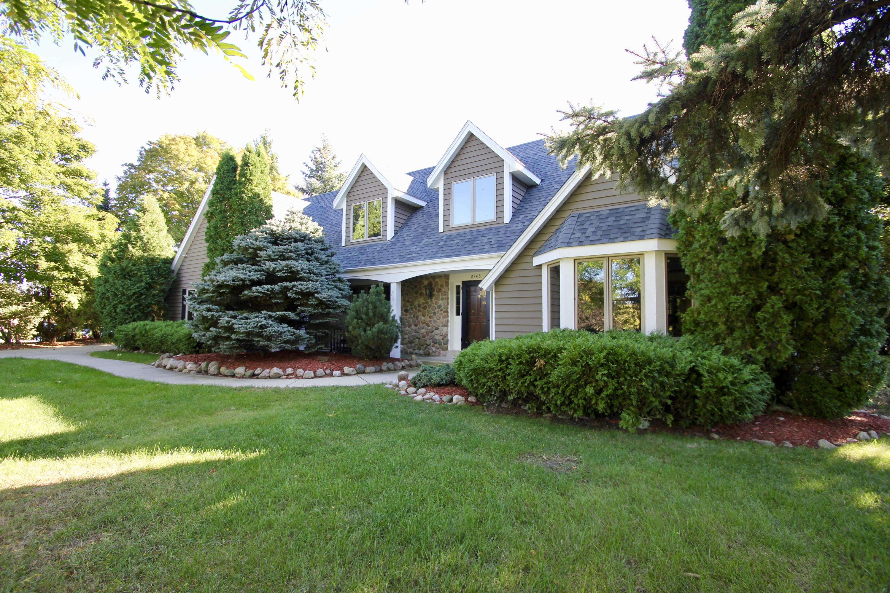 2345 Sheraton Rd, Brookfield, Wisconsin 53005, 4 Bedrooms Bedrooms, 9 Rooms Rooms,3 BathroomsBathrooms,Single-Family,For Sale,Sheraton Rd,1609310