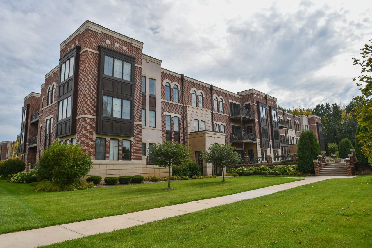 19115 Thomson Dr, Brookfield, Wisconsin 53045, 2 Bedrooms Bedrooms, 6 Rooms Rooms,2 BathroomsBathrooms,Condominiums,For Sale,Thomson Dr,3,1609287