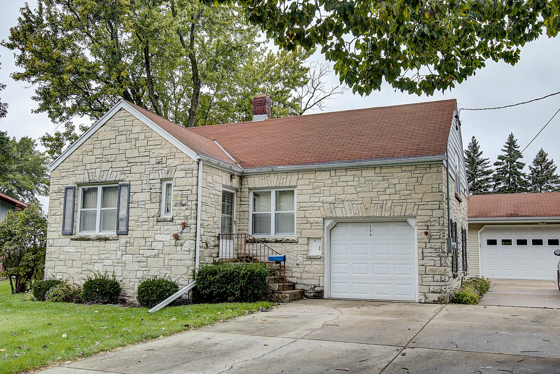 359 Evergreen Ln, Pewaukee, Wisconsin 53072, 2 Bedrooms Bedrooms, 5 Rooms Rooms,1 BathroomBathrooms,Single-Family,For Sale,Evergreen Ln,1609359