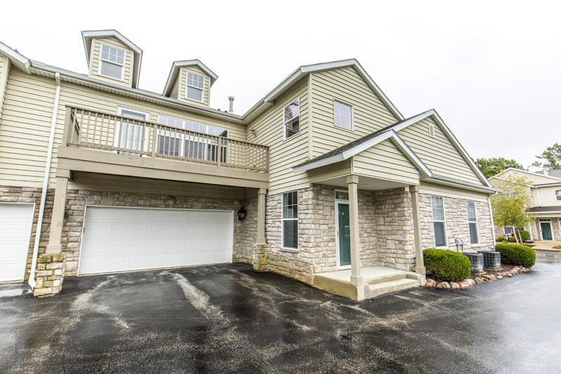 N16W26532 Meadowgrass Cir, Pewaukee, Wisconsin 53072, 2 Bedrooms Bedrooms, 6 Rooms Rooms,2 BathroomsBathrooms,Condominiums,For Sale,Meadowgrass Cir,2,1609435