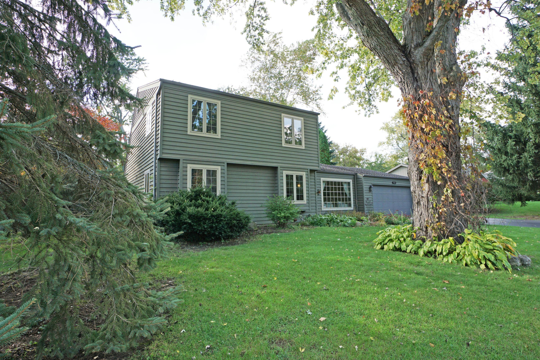 920 Tanglewood Ct, Oconomowoc, Wisconsin 53066, 3 Bedrooms Bedrooms, 10 Rooms Rooms,2 BathroomsBathrooms,Single-Family,For Sale,Tanglewood Ct,1609593
