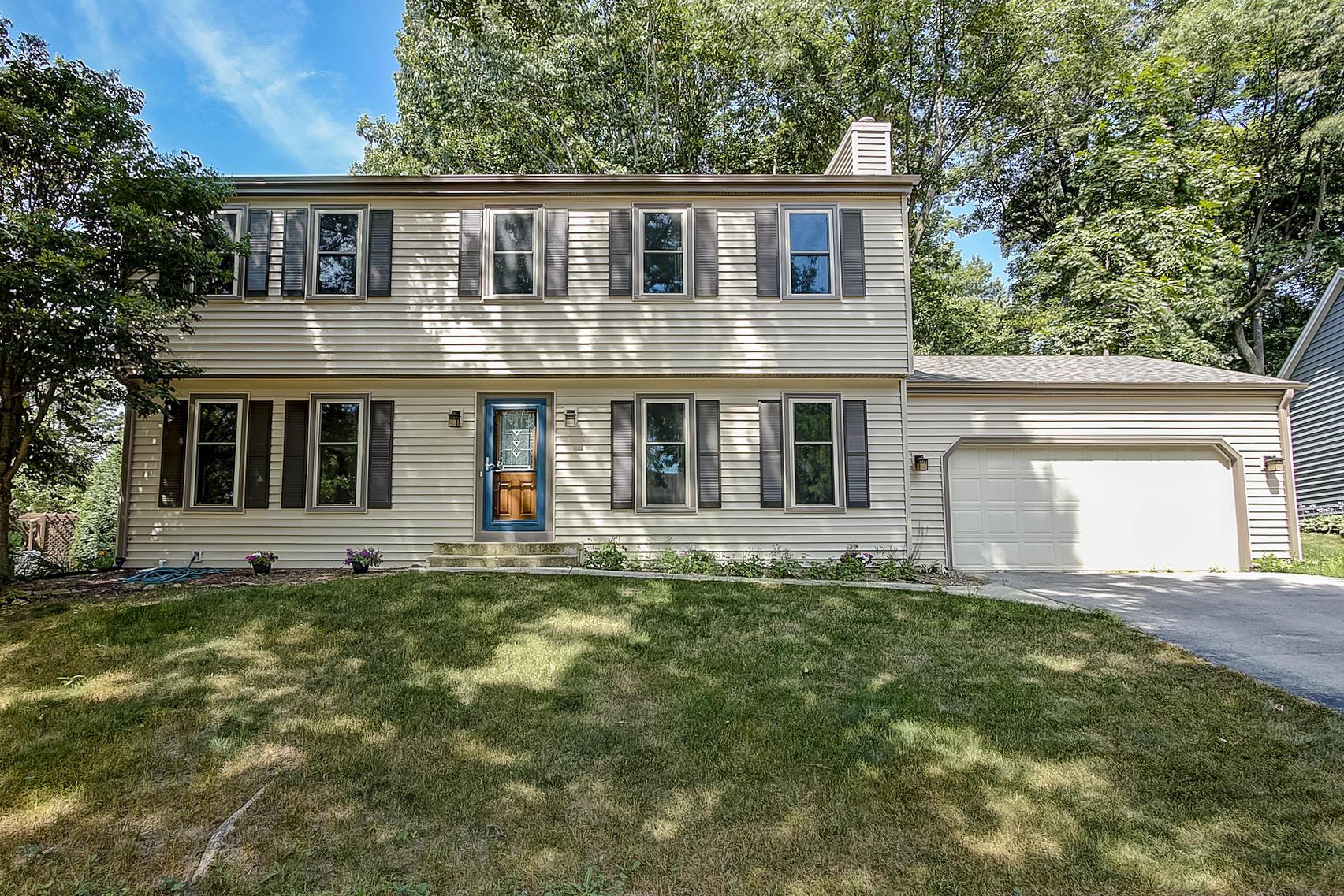 1224 Cavalier Dr, Waukesha, Wisconsin 53186, 4 Bedrooms Bedrooms, 9 Rooms Rooms,2 BathroomsBathrooms,Single-Family,For Sale,Cavalier Dr,1609623