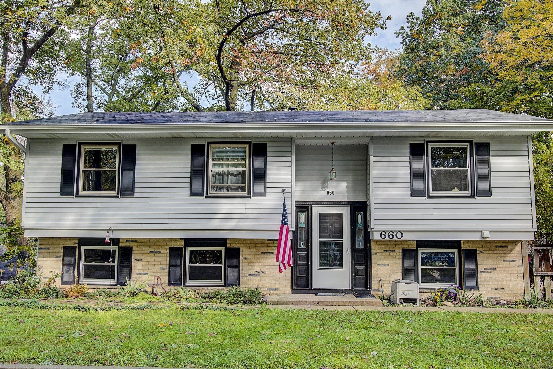 660 Madison St, Oconomowoc, Wisconsin 53066, 4 Bedrooms Bedrooms, 8 Rooms Rooms,1 BathroomBathrooms,Single-Family,For Sale,Madison St,1609733