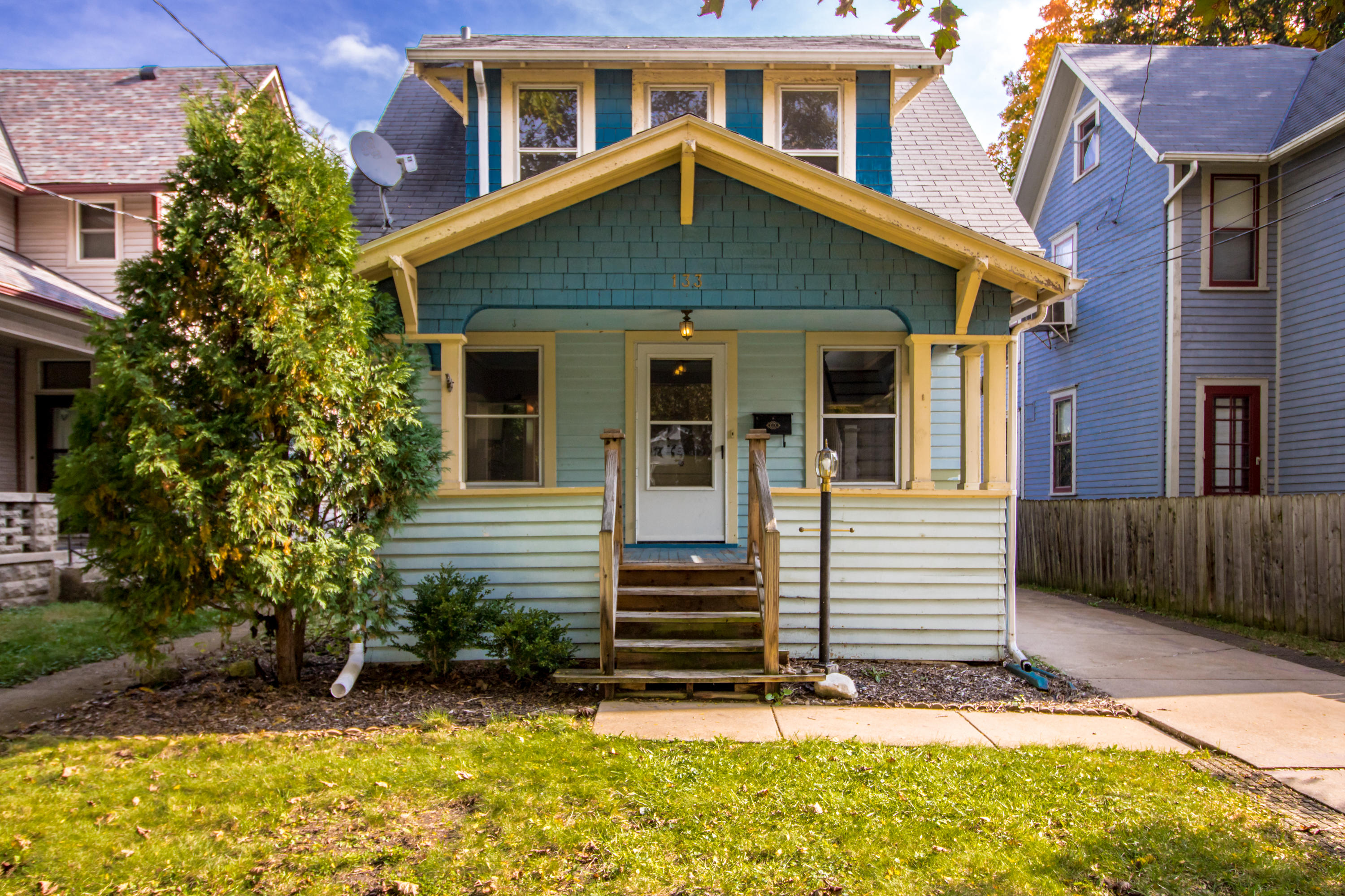 133 Randall St, Waukesha, Wisconsin 53188, 2 Bedrooms Bedrooms, 5 Rooms Rooms,1 BathroomBathrooms,Single-Family,For Sale,Randall St,1609791