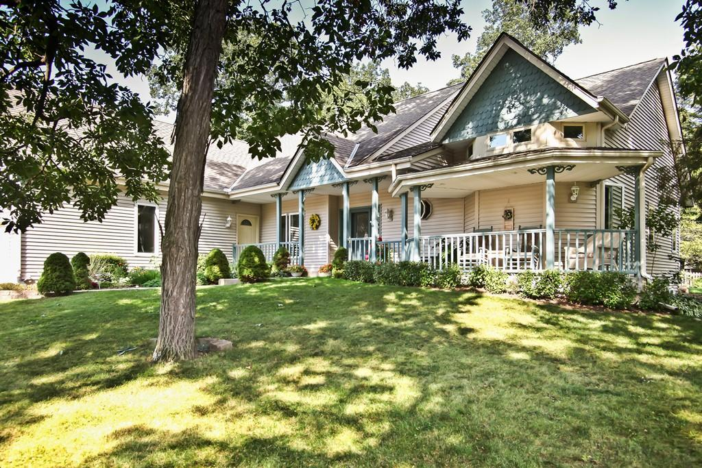 1309 Hickory Dr, Waukesha, Wisconsin 53186, 3 Bedrooms Bedrooms, 8 Rooms Rooms,3 BathroomsBathrooms,Single-Family,For Sale,Hickory Dr,1609939