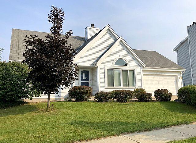 2736 Brighton Dr, Waukesha, Wisconsin 53188, 3 Bedrooms Bedrooms, ,2 BathroomsBathrooms,Single-Family,For Sale,Brighton Dr,1609913