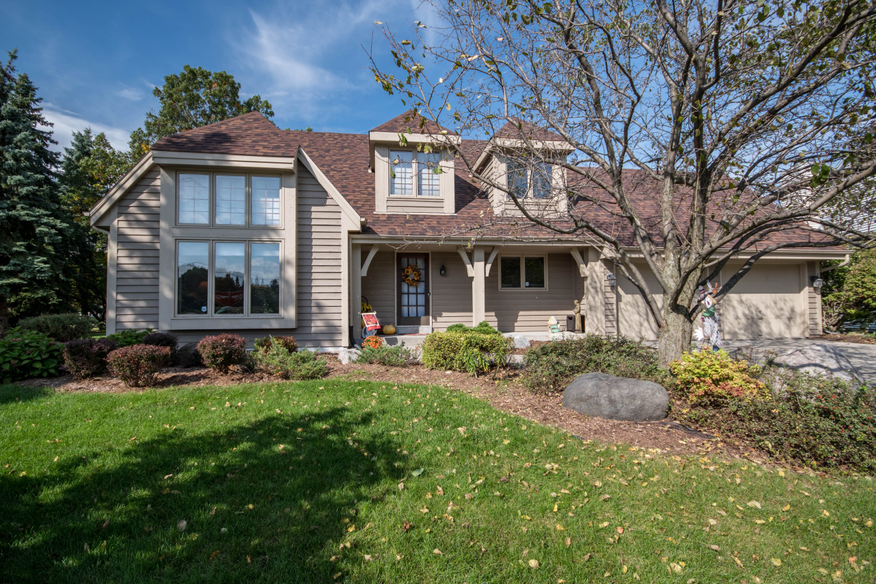 2002 Springbrook South, Waukesha, Wisconsin 53186, 3 Bedrooms Bedrooms, 7 Rooms Rooms,2 BathroomsBathrooms,Single-Family,For Sale,Springbrook South,1609698