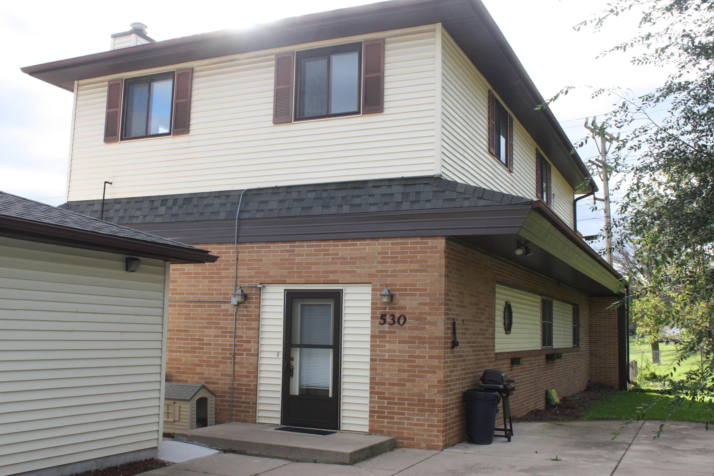530 Greenmeadow Dr, Waukesha, Wisconsin 53188, 3 Bedrooms Bedrooms, 8 Rooms Rooms,1 BathroomBathrooms,Two-Family,For Sale,Greenmeadow Dr,1,1610087