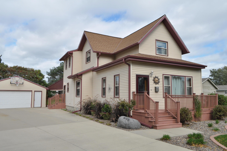 418 Peters Dr, Waukesha, Wisconsin 53188, 3 Bedrooms Bedrooms, 3 Rooms Rooms,2 BathroomsBathrooms,Single-Family,For Sale,Peters Dr,1610098