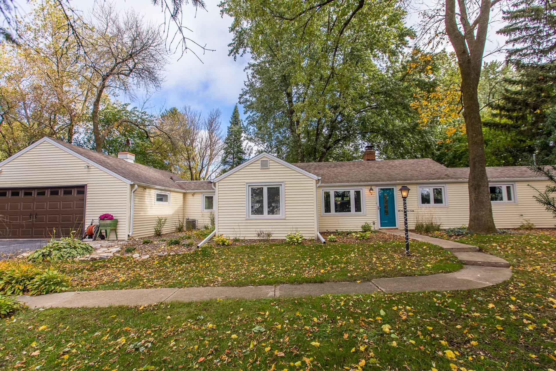 N56W39334 Wisconsin Ave, Oconomowoc, Wisconsin 53066, 4 Bedrooms Bedrooms, 8 Rooms Rooms,2 BathroomsBathrooms,Single-Family,For Sale,Wisconsin Ave,1609475