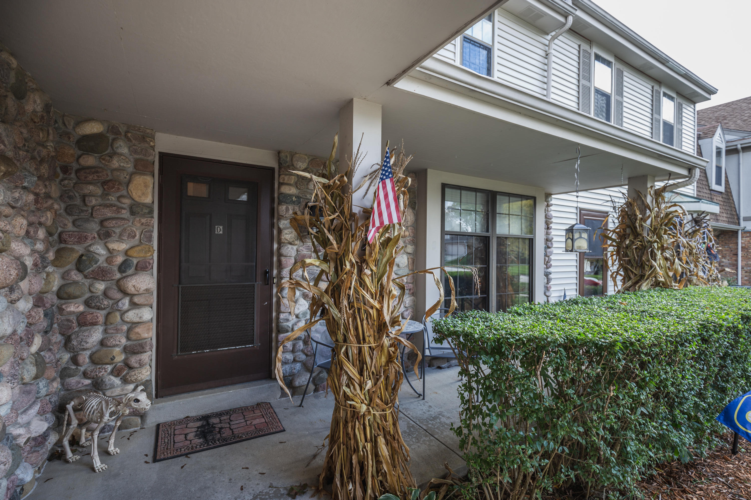 330 Willow Grove Dr, Pewaukee, Wisconsin 53072, 2 Bedrooms Bedrooms, ,1 BathroomBathrooms,Condominiums,For Sale,Willow Grove Dr,1,1610140