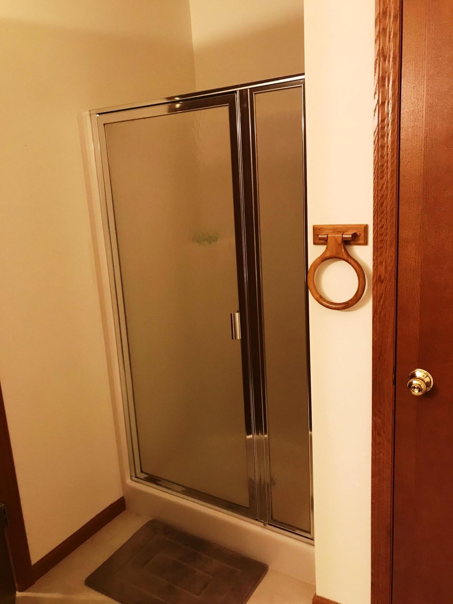 954 Oconomowoc Pkwy, Oconomowoc, Wisconsin 53066, 2 Bedrooms Bedrooms, ,2 BathroomsBathrooms,Condominiums,For Sale,Oconomowoc Pkwy,1,1610186