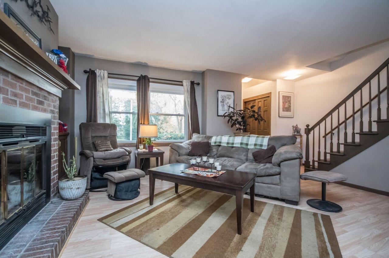 1319 Camden Way, Waukesha, Wisconsin 53186, 2 Bedrooms Bedrooms, ,1 BathroomBathrooms,Condominiums,For Sale,Camden Way,1,1610052