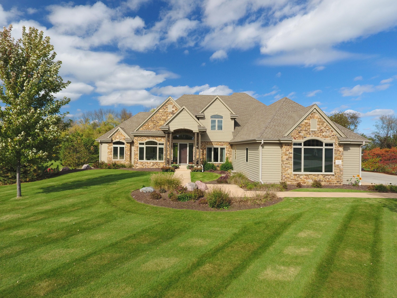 N39W23610 Grey Fox Ct, Pewaukee, Wisconsin 53072, 4 Bedrooms Bedrooms, ,4 BathroomsBathrooms,Single-Family,For Sale,Grey Fox Ct,1610329