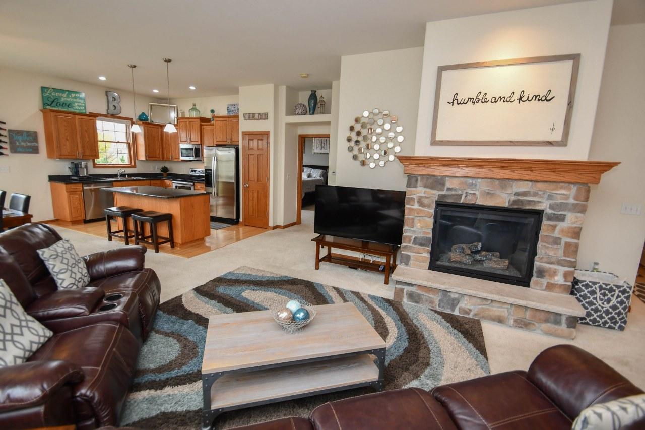 1780 Regal Ct, Oconomowoc, Wisconsin 53066, 3 Bedrooms Bedrooms, 6 Rooms Rooms,3 BathroomsBathrooms,Condominiums,For Sale,Regal Ct,1,1610032
